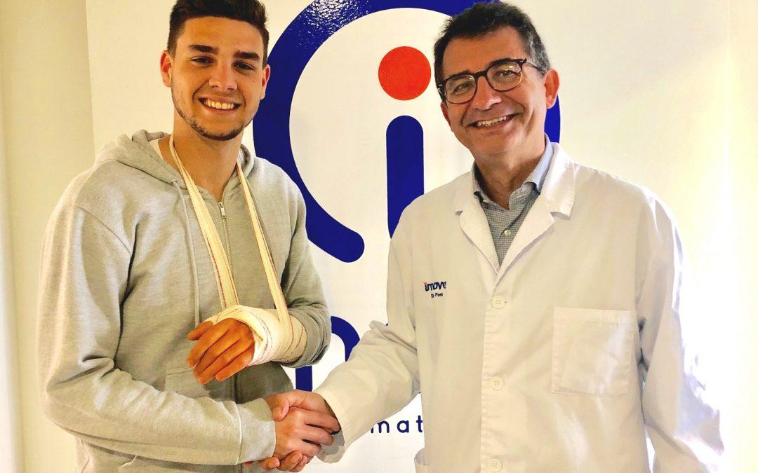 El futbolistaJuan Antonio Gallego, intervenido con éxito por el Dr. Jordi Font